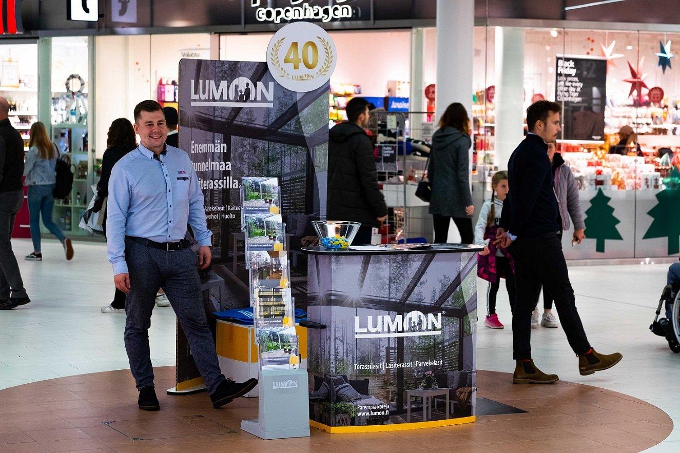 Lumon-esittely ostoskeskuksessa