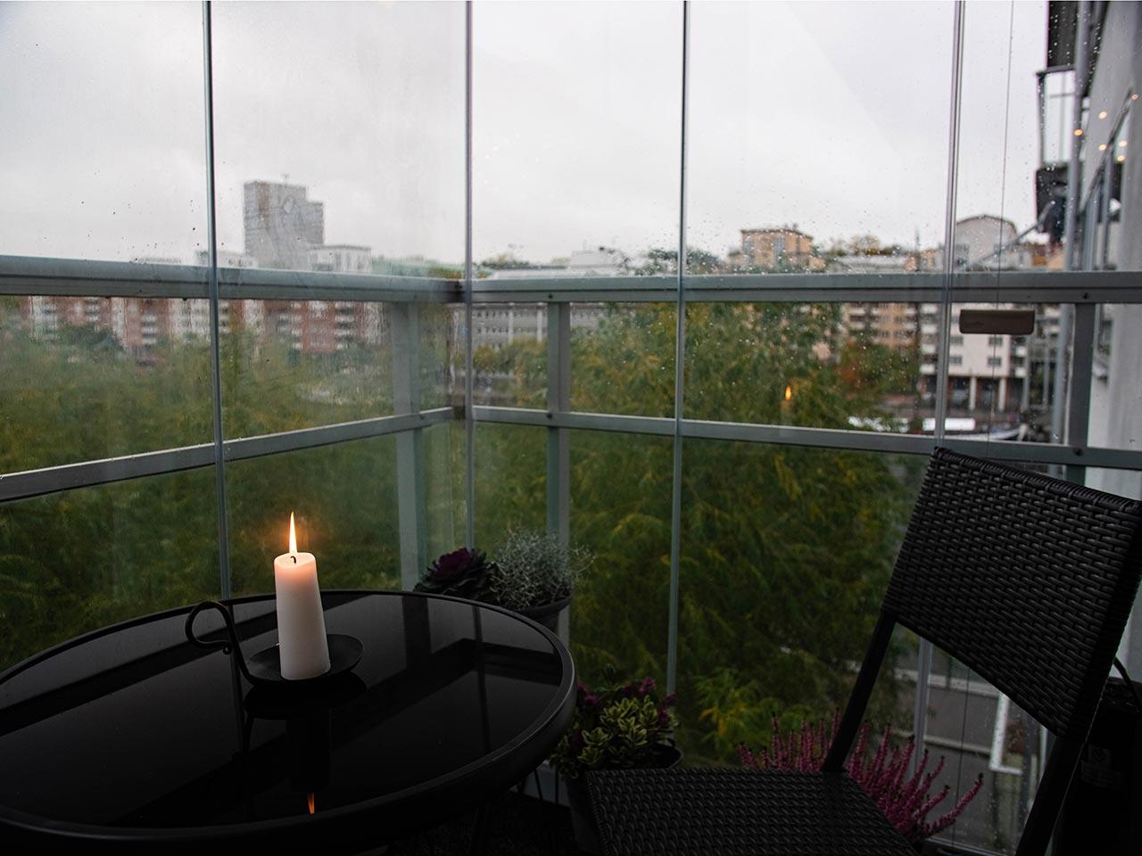Inreda en liten balkong - Lumon balkonginglasningar-2